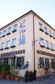 schwanebraeu1.jpg
